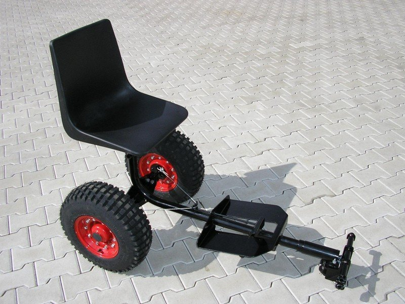 HV 700 - Vozík pro malotraktory