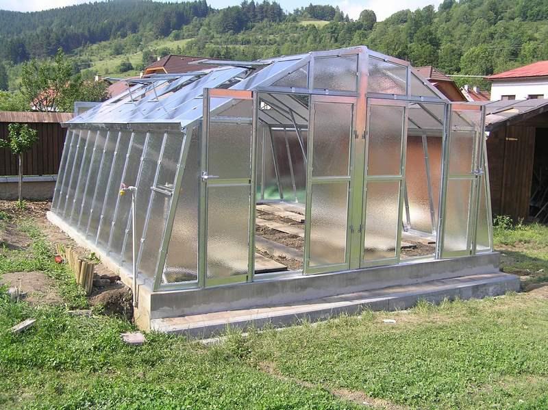 Lakovaný skleník PRIMUS M 4,5