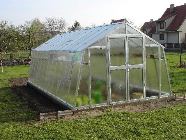 pozinkovaný skleník