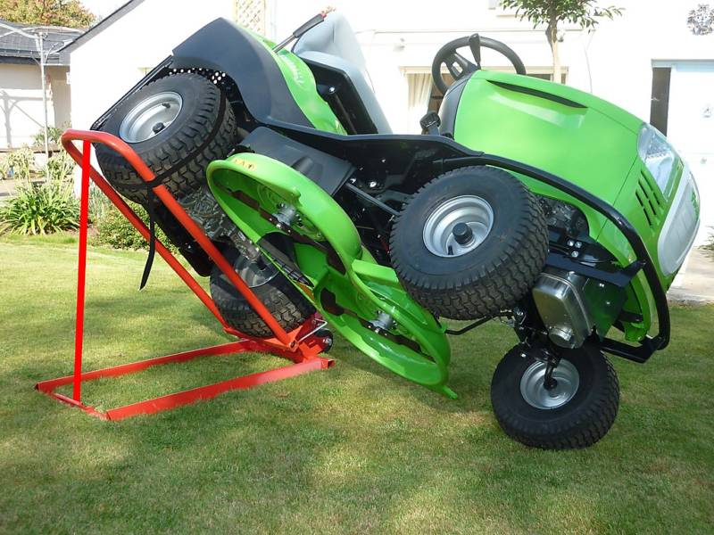 CLIPLIFT hydraulický zvedák traktorových sekaček
